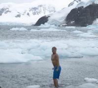 antarctica_swim_1
